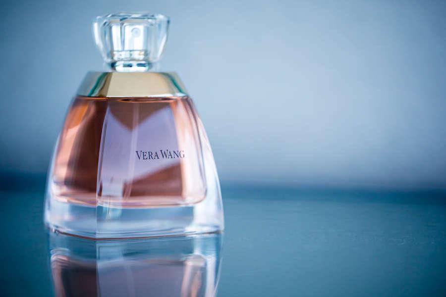 perfume bottle pink vera wang